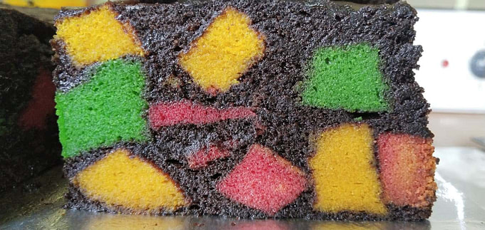 Marble Steamed Cake (Kek Kukus Batu Marmar)